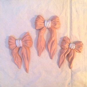 wall deco  pink bow set