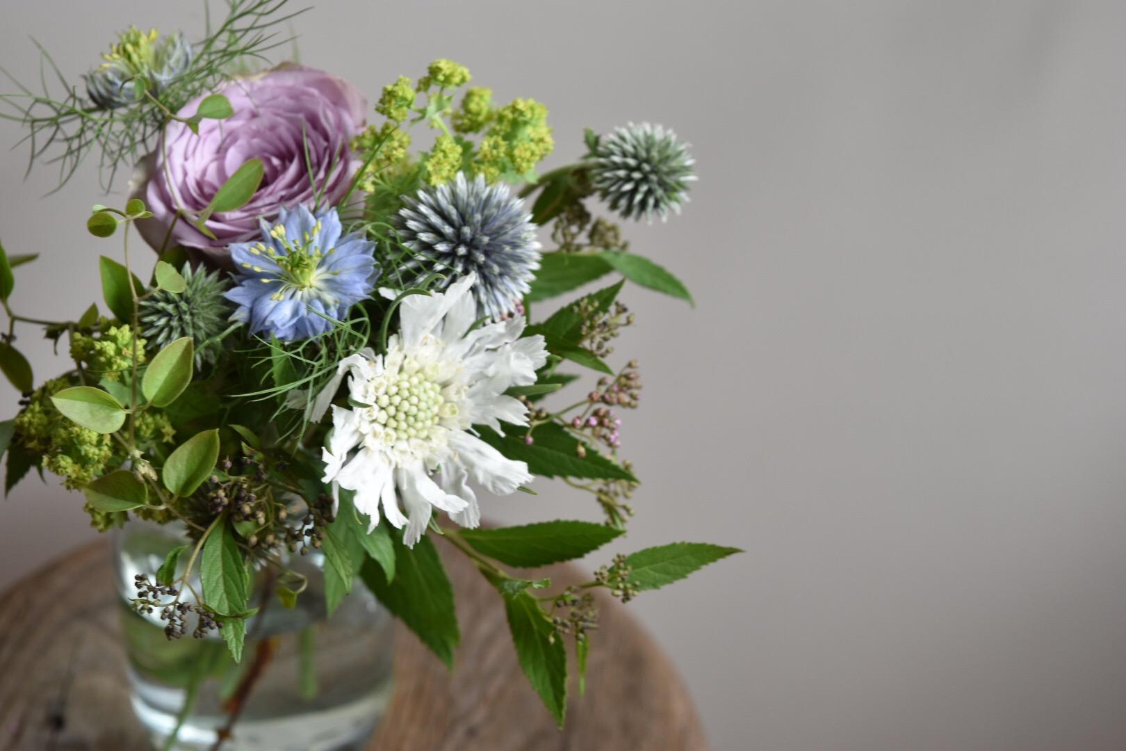 《暮らしに花を》季節の草花を定期的にお届けします*.