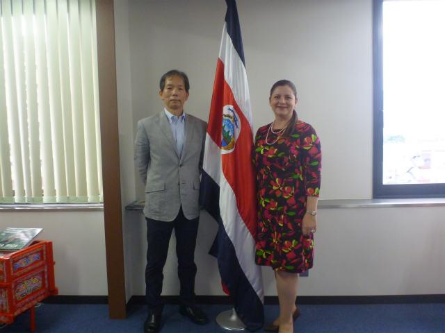 コスタリカ大使を表敬訪問しました。