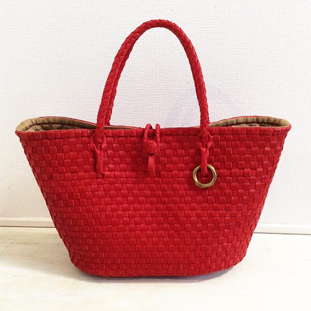 深紅の革を手編みで丁寧に編み上げたレザーバスケット「Monocle red」