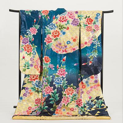 【新商品のご紹介】切箔に相良刺繍 牡丹に桜