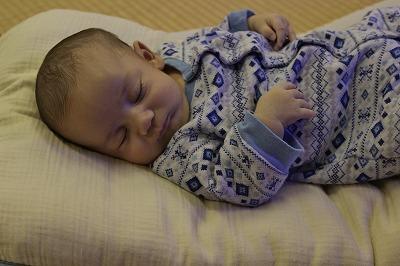 赤ちゃんが深い眠りにつけない訳....。