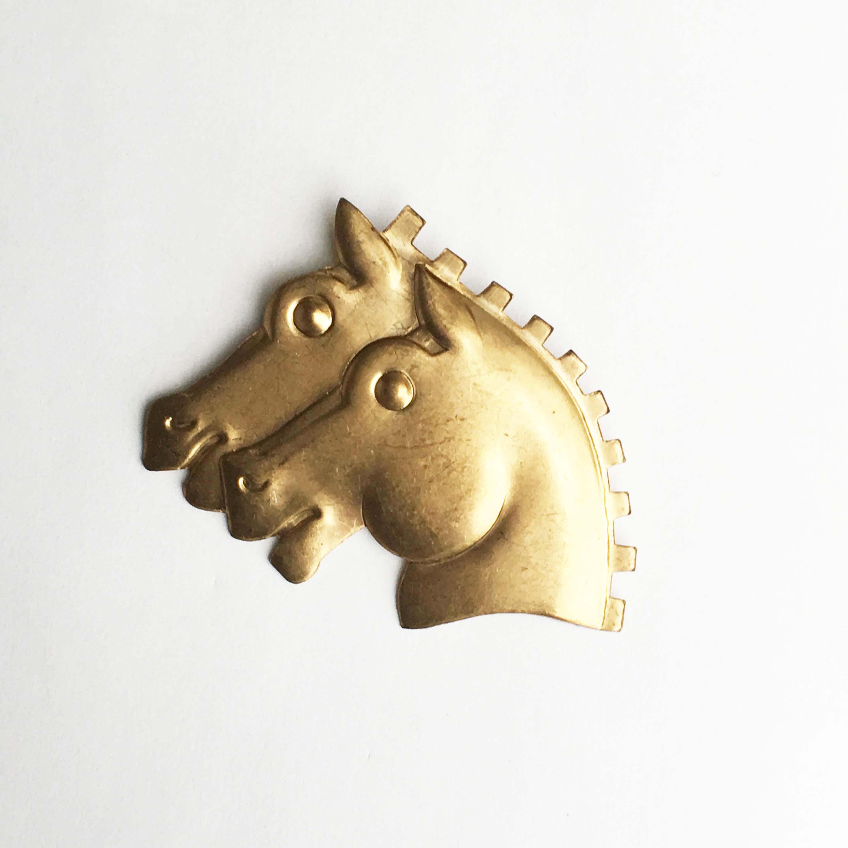 ヴィンテージパーツの馬ブローチ