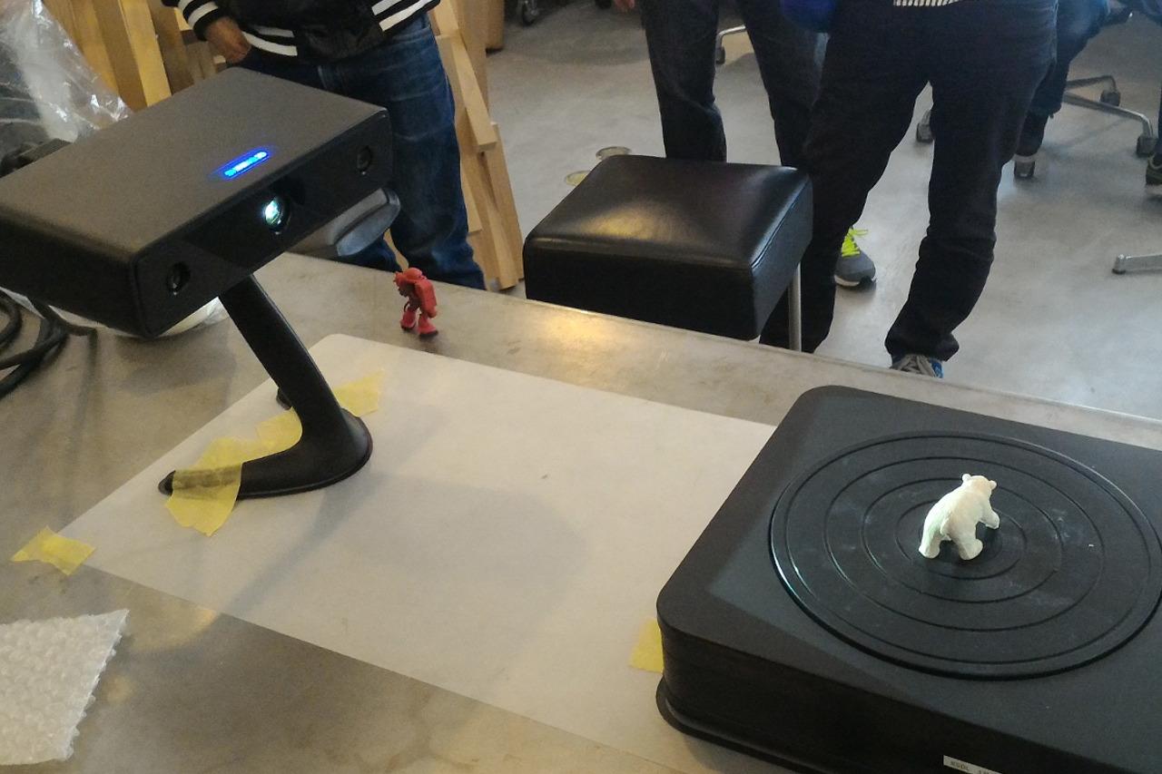 3Dスキャナ「EinScan-S」は凄い製品でした。渋谷FabCafeのスキャンイベントレポート。
