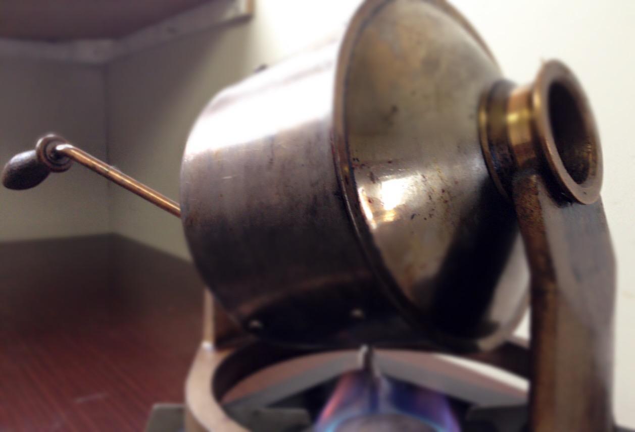 新鮮なコーヒー豆をお届けします。
