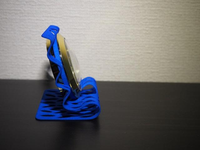 新製品のご紹介:ウェーブデザインのキャロット式置き時計