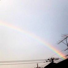 虹とハワイアンキルトピアス