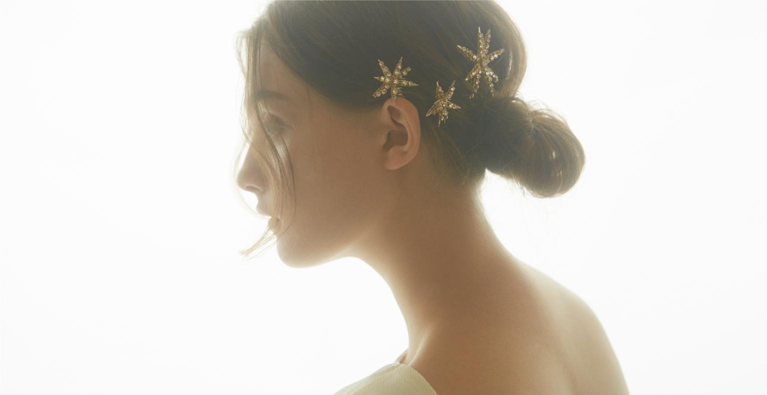 【浴衣ヘアのアレンジにも】まとめ髪をロマンチックに仕上げてくれるジニアヘアピン