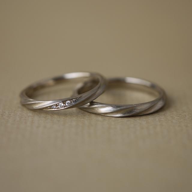 ふたりの幸せな流れ。結婚指輪「Current」